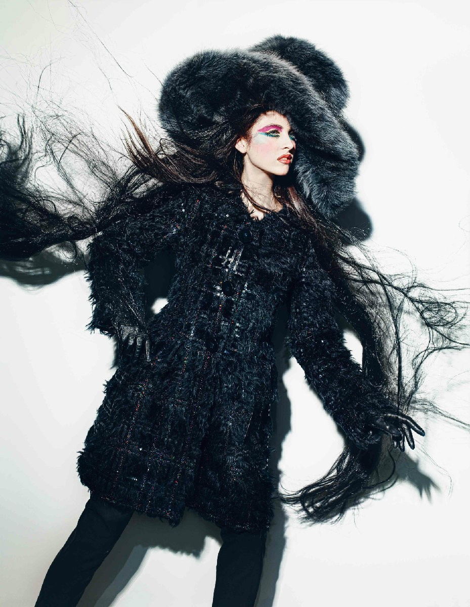 Coat, trousers and hat by Marc Jacobs; gloves by L