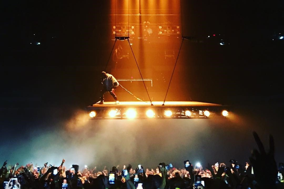 watch footage of kanye west�s incredible new stage show