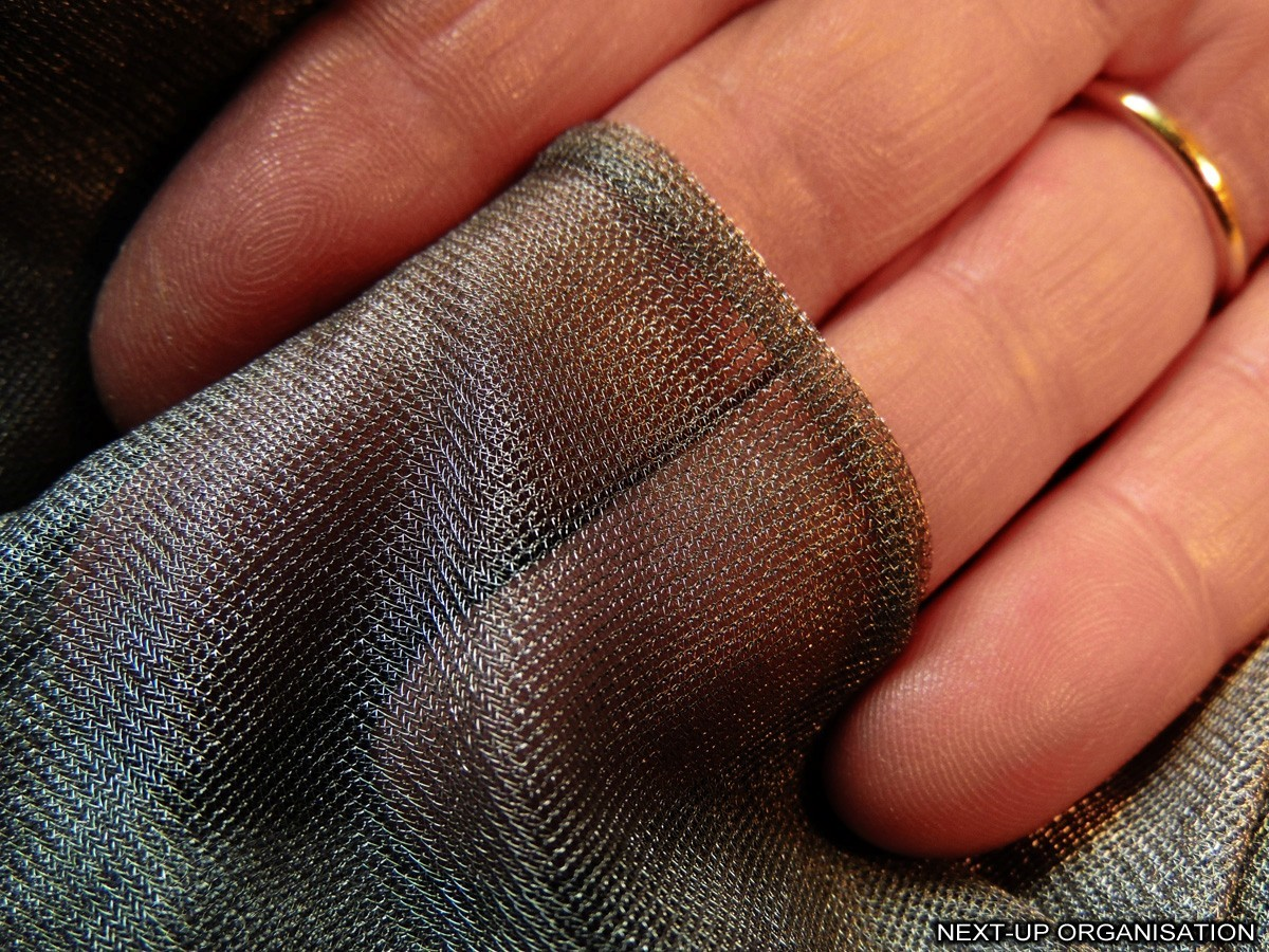 Silver mesh with shielding effectiveness of 99,99%