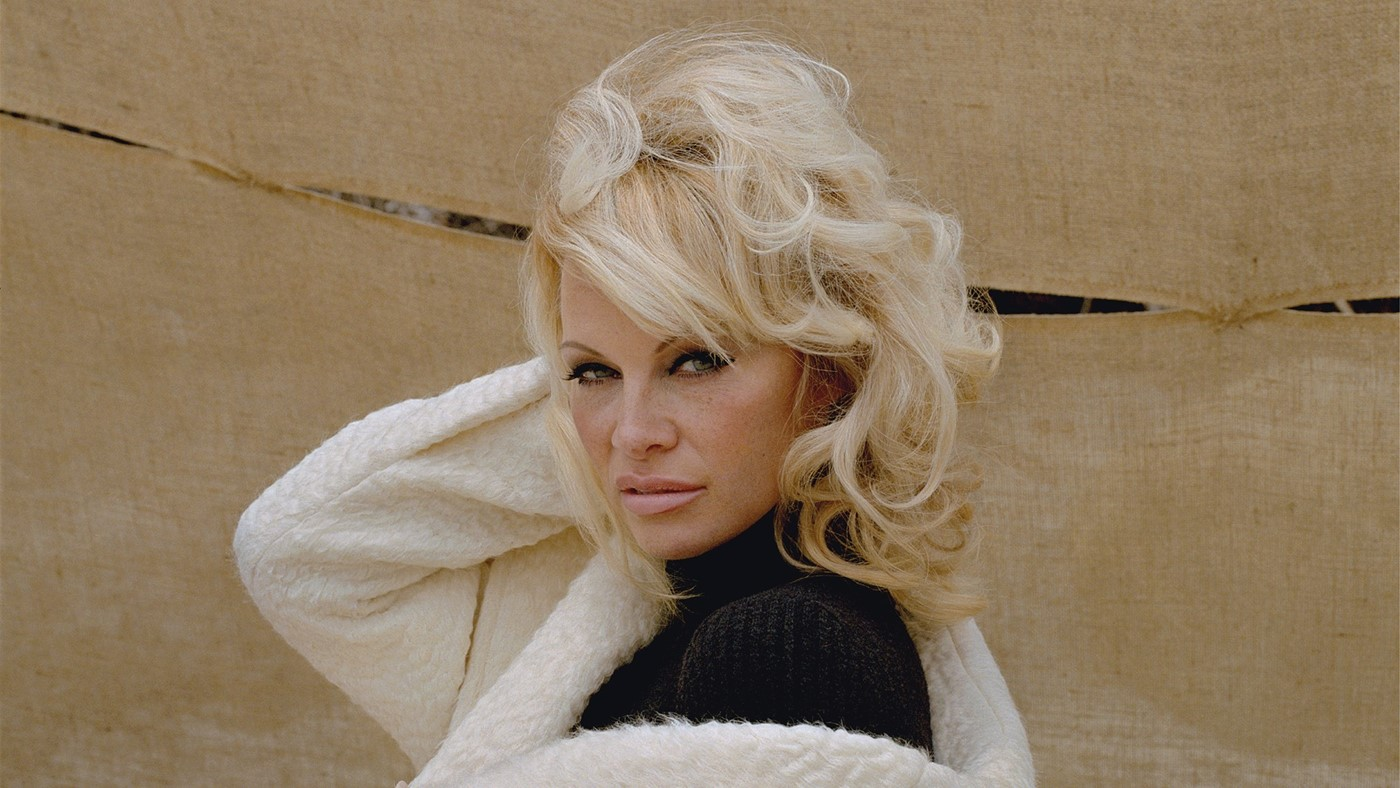 Pamela Anderson – Autumn/Winter 2016–