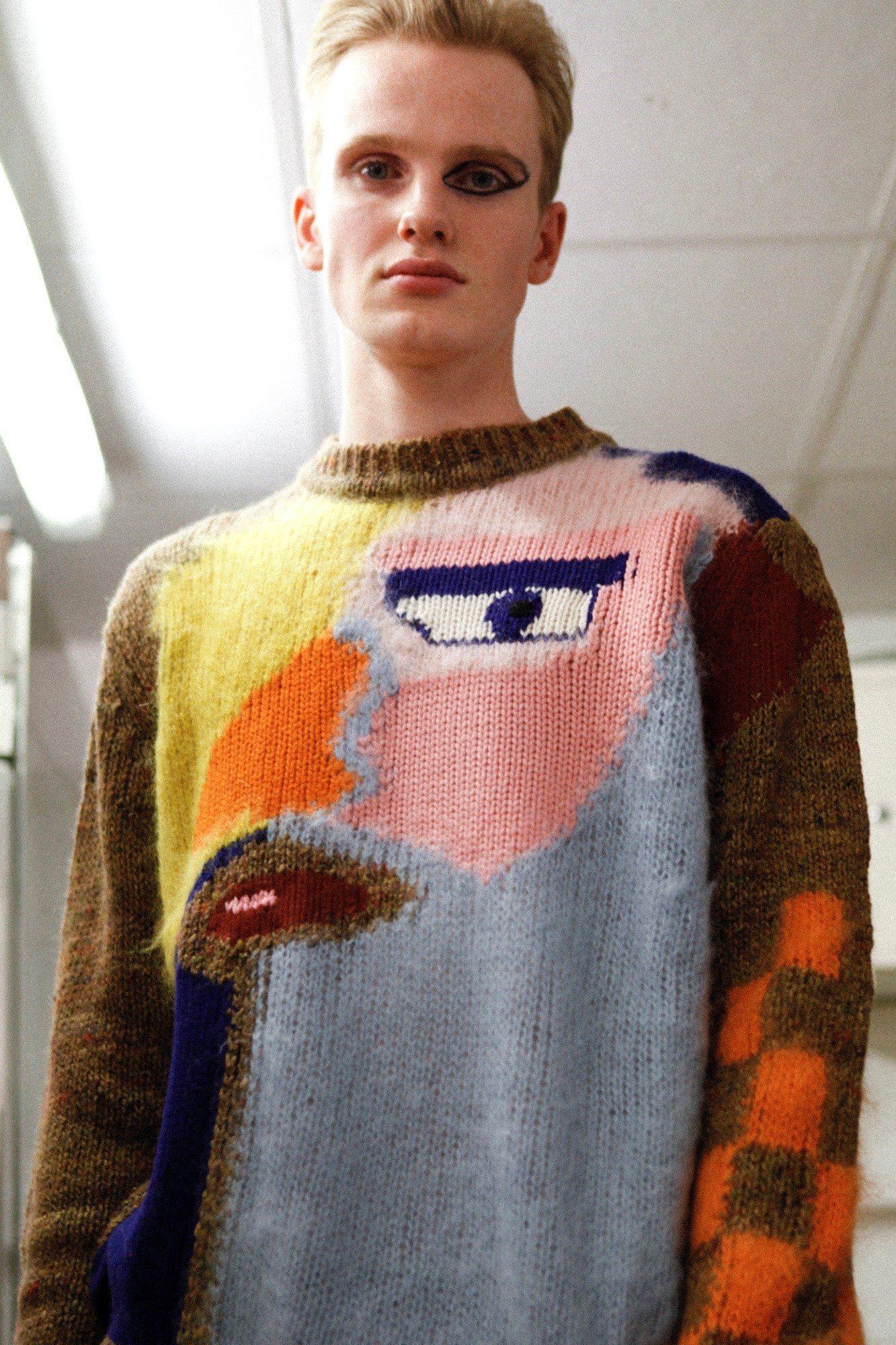 walter van beirendonck aw15 graphic knit jumper eyeliner. Black Bedroom Furniture Sets. Home Design Ideas