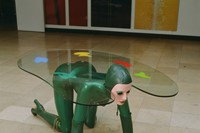 Schirn_Presse_Glam_Allen_Jones_Green_Table_Sculptu