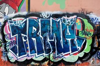 Liu Bolin - Hiding in Paris No.7 - Graffiti