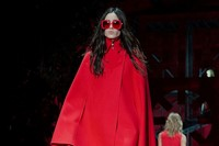 Versace AW15 Dazed runway womenswear red cape sunglasses