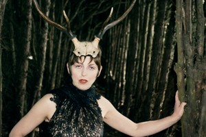 5 Isabella Blow with HornsGloucestershire1996 Juer