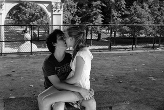 teen kissers paris