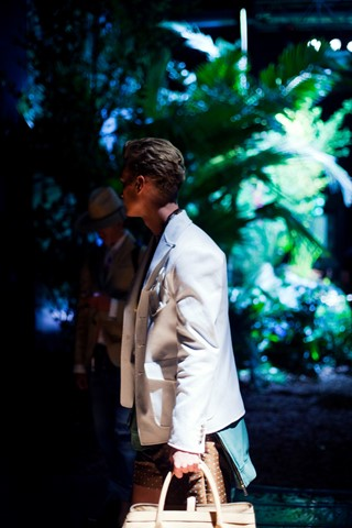 dsquared_def__14-Exposure