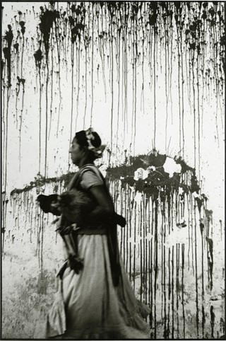 Graciela Iturbide_Chickens