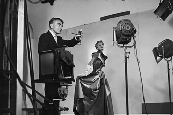 2._Horst_directing_fashion_shoot_with_Lisa_Fonssag