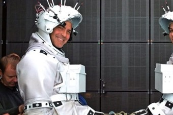 gravity-behind-the-scenes-pictures-09262013-145813