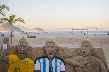 pedro bayeux - copacabana - neymar and messi