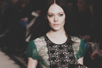 Burberry Prorsum AW15 Womenswear runway Dazed 70s dress