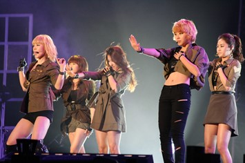 4Minute_in_2010_Asia_Song_Festival