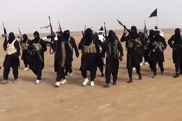 ISIL-militants-gathering-at-an-undisclosed-locatio