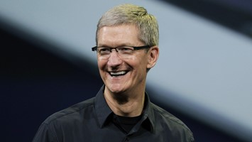 apple-ceo-tim-cook-proud-be-gay-opens-support-lgbt