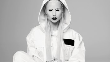Yolandi-longread_lead