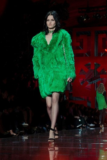 Versace AW15 Dazed runway womenswear faux fur green coat