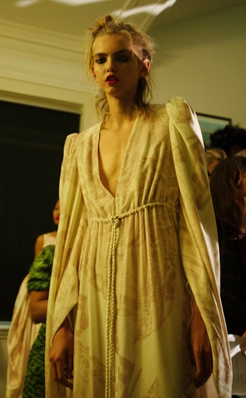 Giles Deacon SS16 Backstage