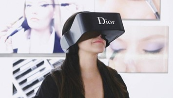 Dior Eyes virtual reality headset