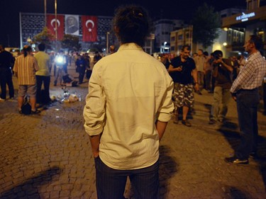 turkey-standing-man-protests-istanbul