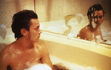 river_phoenix_-_my_own_private_idaho_2