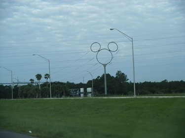 Mickey_Mouse_shaped_transmission_tower_Celebration