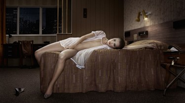 Erwin Olaf, Hotel Kyoto - Room 211, courtesy of Ha