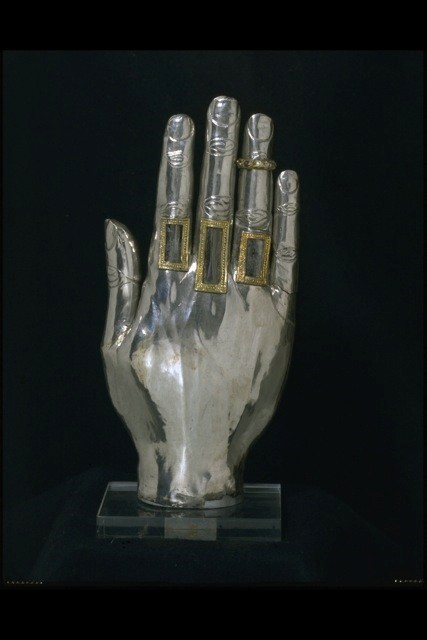 Hand Reliquary_1250-1300_Courtesy Victoria and Alb