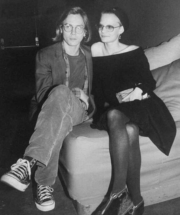 Martha-Plimpton-and-River-Phoenix-in-Black-and-Whi