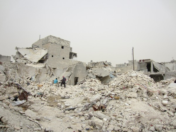 171395_Rubble_after_missile_strike_50_killed