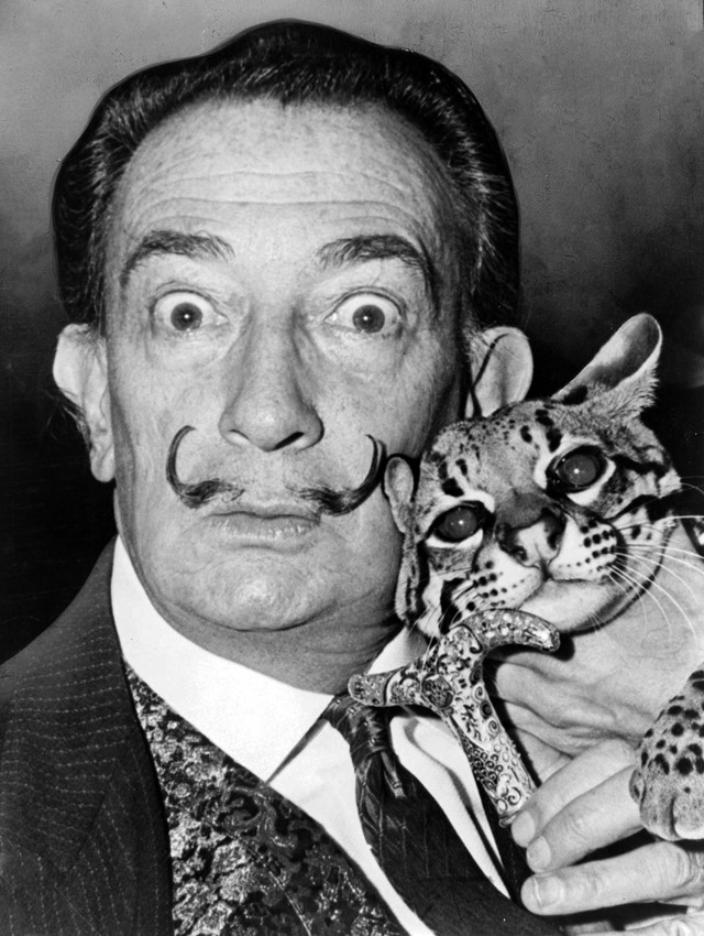 Dalí with his pet ocelot