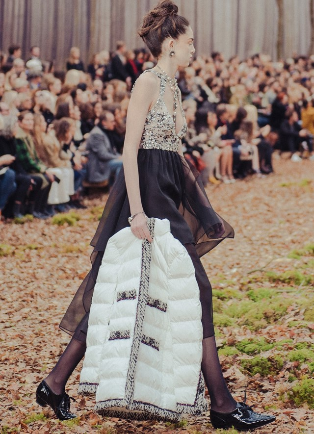 Chanel AW18 forest fw18 paris fashion week pfw kaia gerber