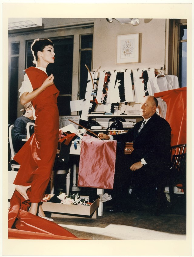 christian dior exhibition v&a museum london