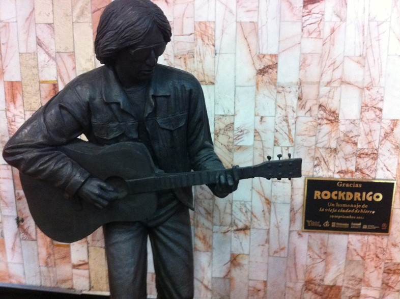 Rockdrigo estatua