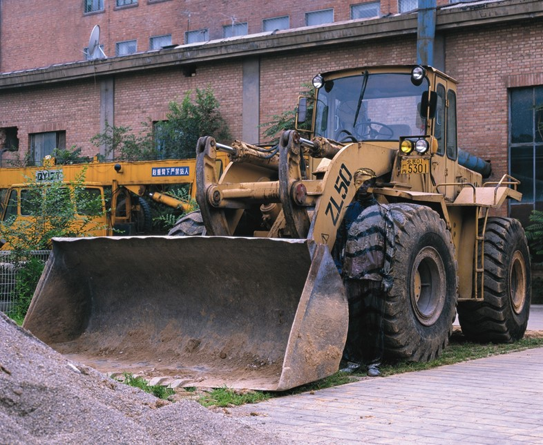 Liu Bolin - Hiding in the City No.71 - Bulldozer