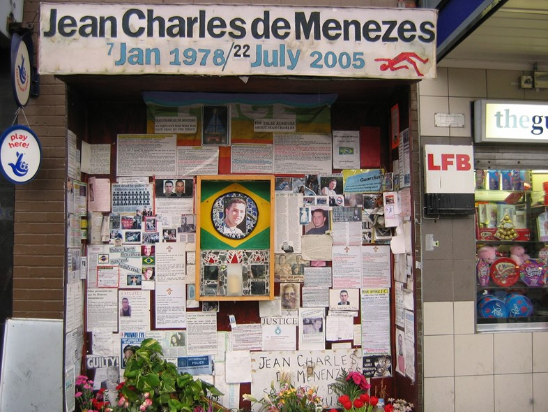 Jean_charles_de_menezes_shrine_dec_06-2