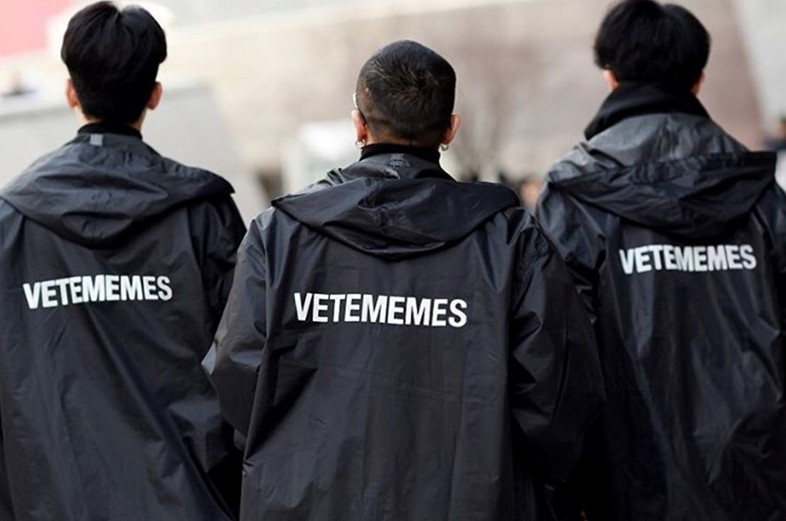 Vetememes raincoats