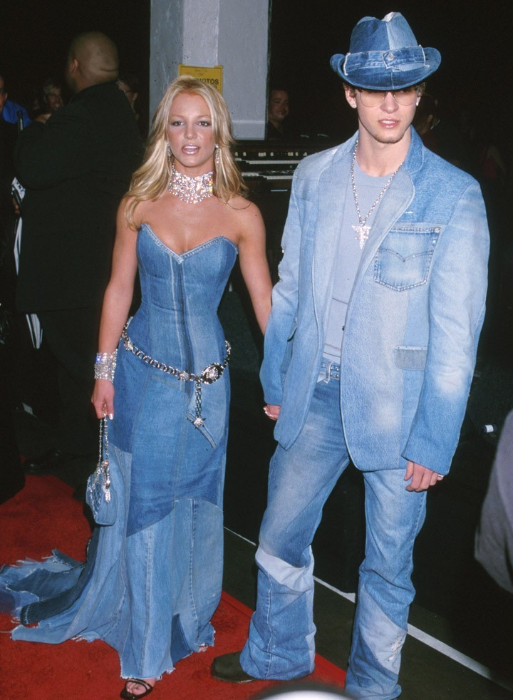 Britney Spears and Justin Timberlake 2001 AMAs