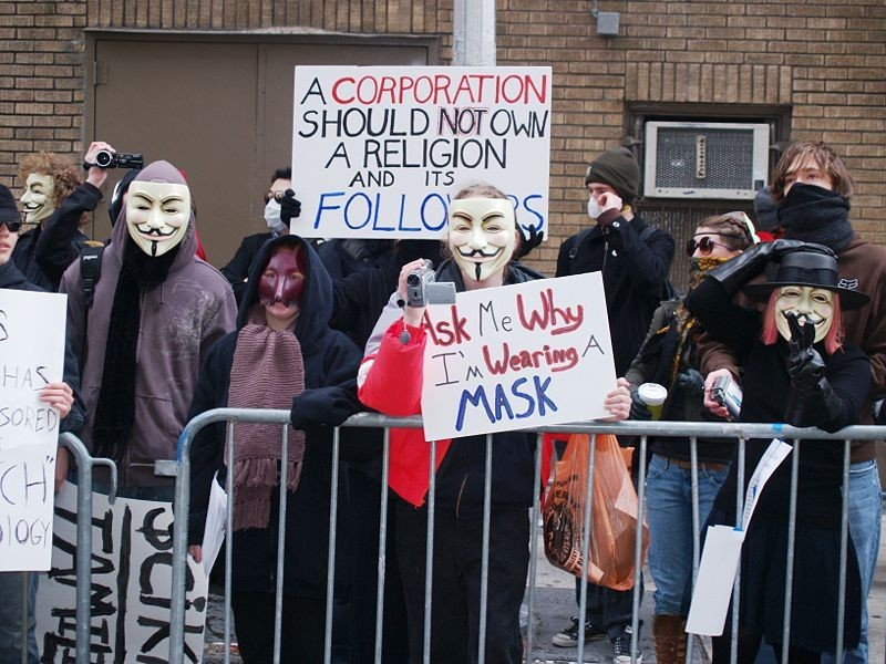 800px-Anonymous_Scientology_1_by_David_Shankbone