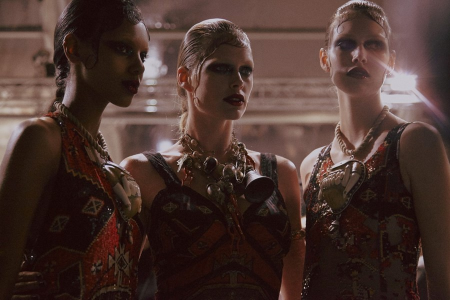 Watch Givenchy SS16 here