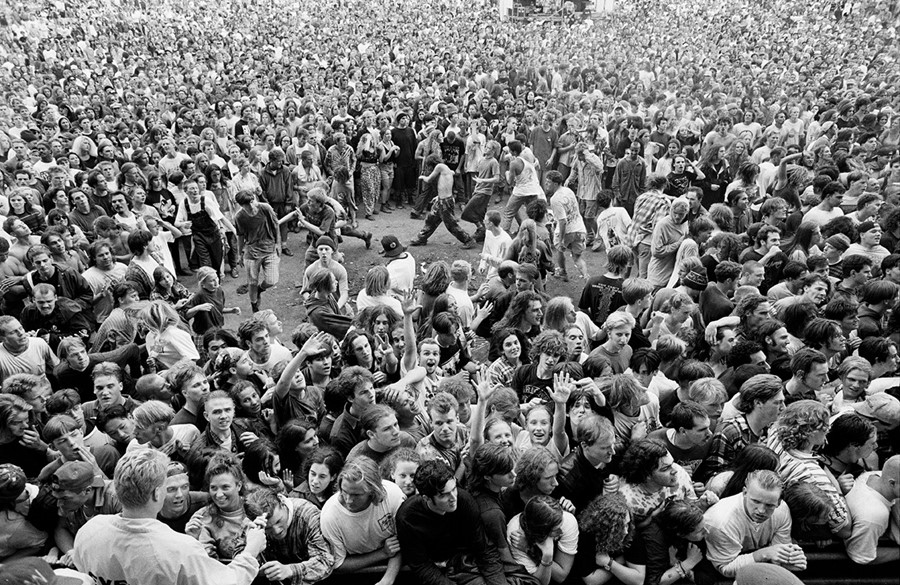 a critical look at mosh pits at rock concerts Though they look like a mess of humanity, the pits actually follow a set of  unique circumstances (re: loud music and intoxication) of mosh pits.