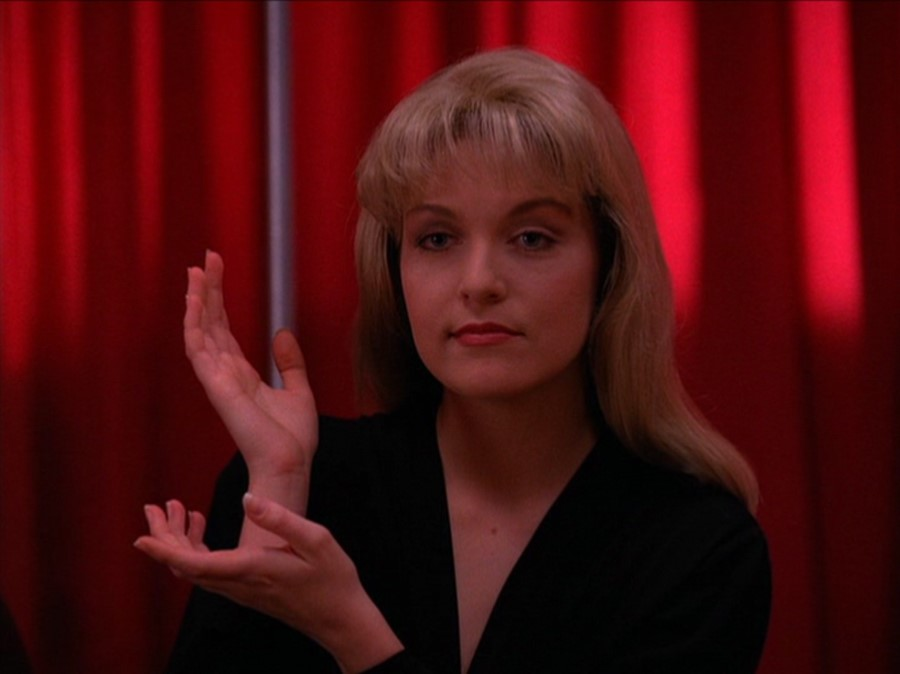 Twin Peaks cast records video begging David Lynch to return