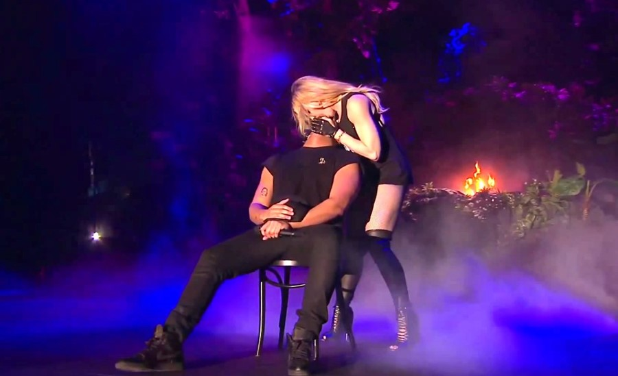 Madonna kissing Drake Coachella