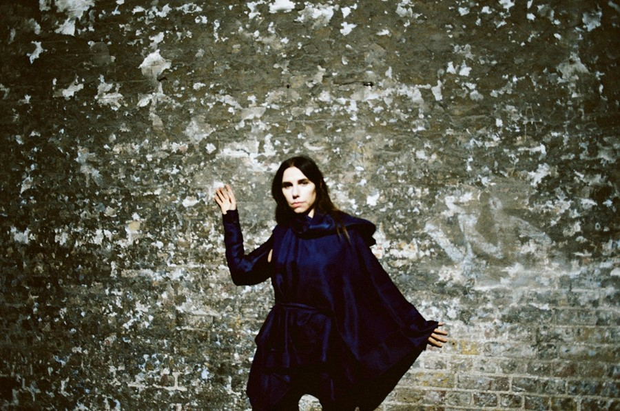 PJ Harvey - Photography Maria Mochnacz